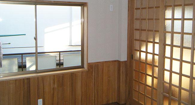 リフォーム後:壁・天井 ピンク系ベージュで、温もりのある優しい雰囲気。
