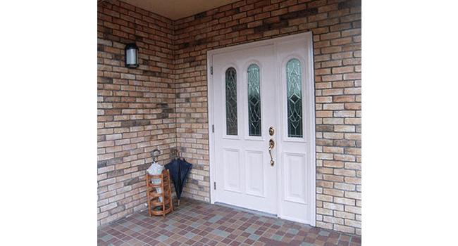 リフォーム後の玄関ドア写真